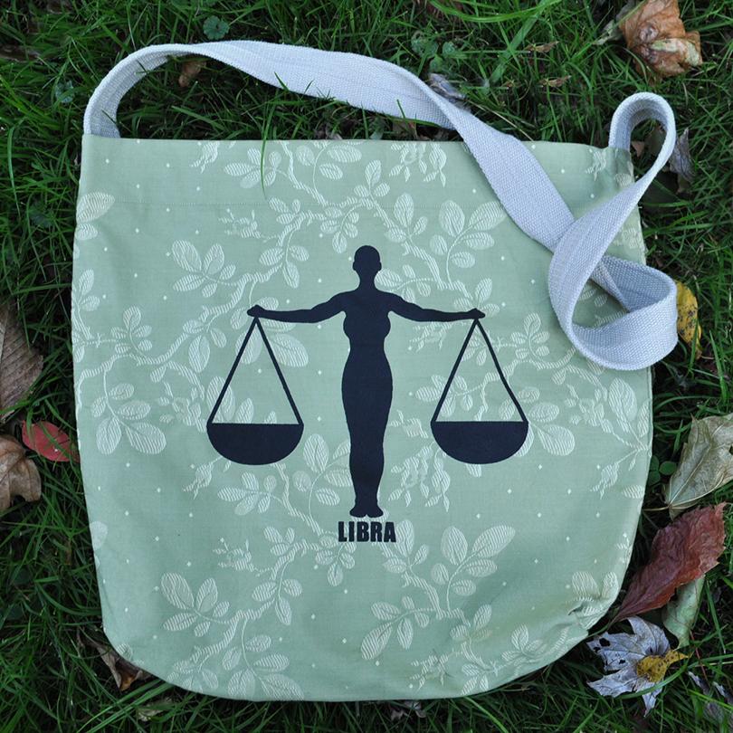 Libra bag 1